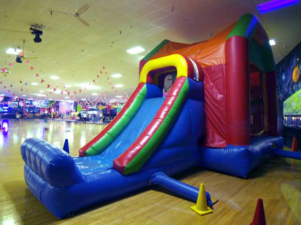 astro-inflatable-slide3