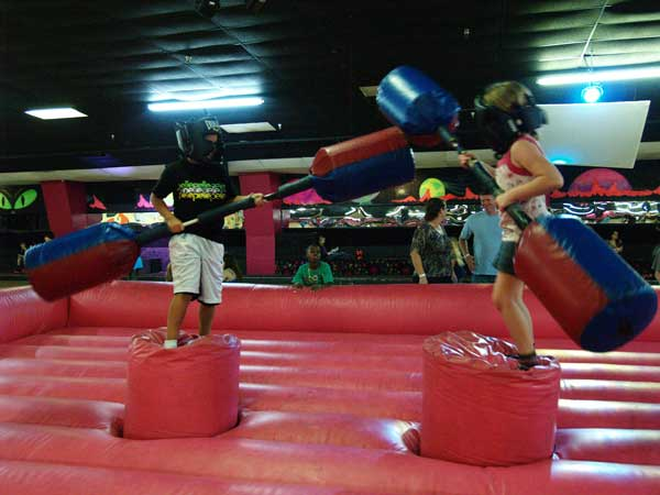 inflatable-jousting